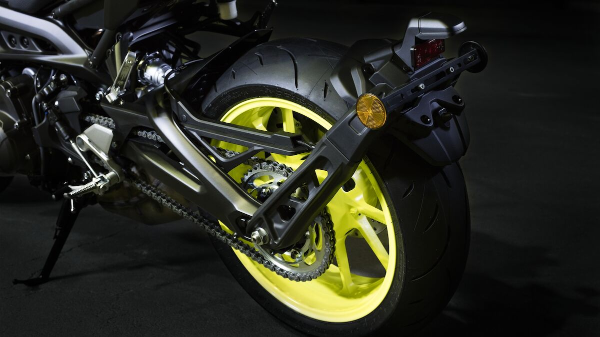 2018 Yamaha MT09 EU Night Fluo Detail 006 03 Tablet MT 09