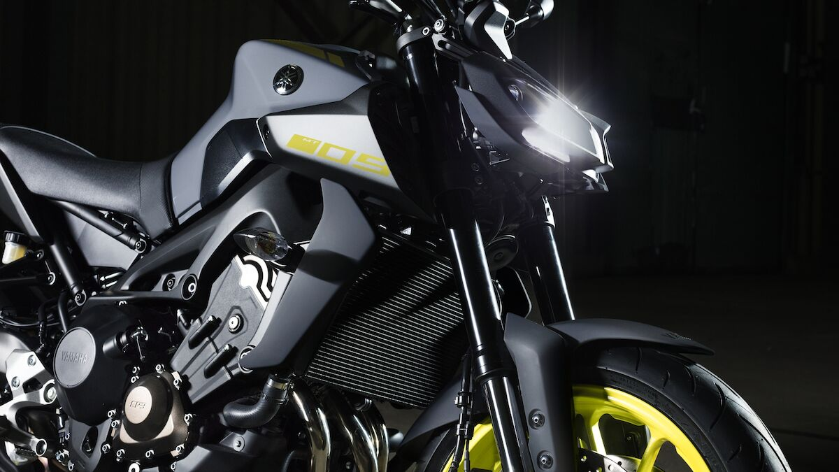 2018 Yamaha MT09 EU Night Fluo Detail 007 03 Tablet MT 09
