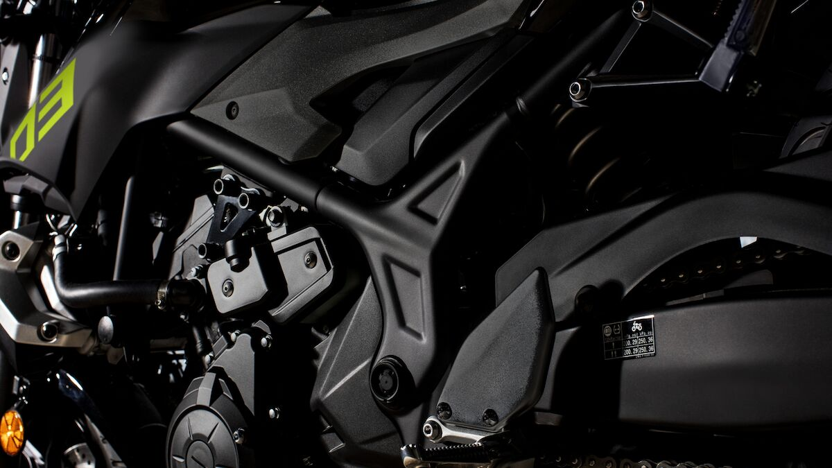 2018 Yamaha MT320 EU Night Fluo Detail 003 03 Tablet MT 03