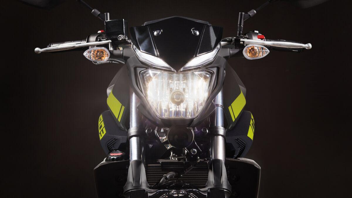 2018 Yamaha MT320 EU Night Fluo Detail 008 03 Tablet MT 03