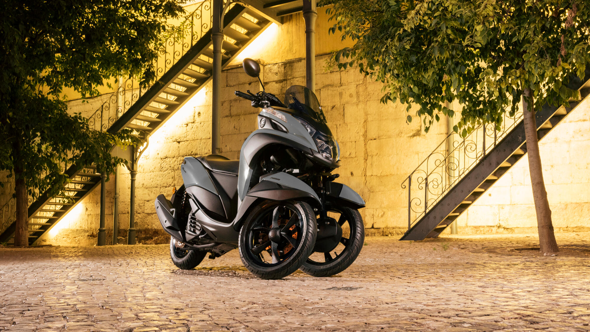 tricity 125 scooters yamaha motor. Black Bedroom Furniture Sets. Home Design Ideas