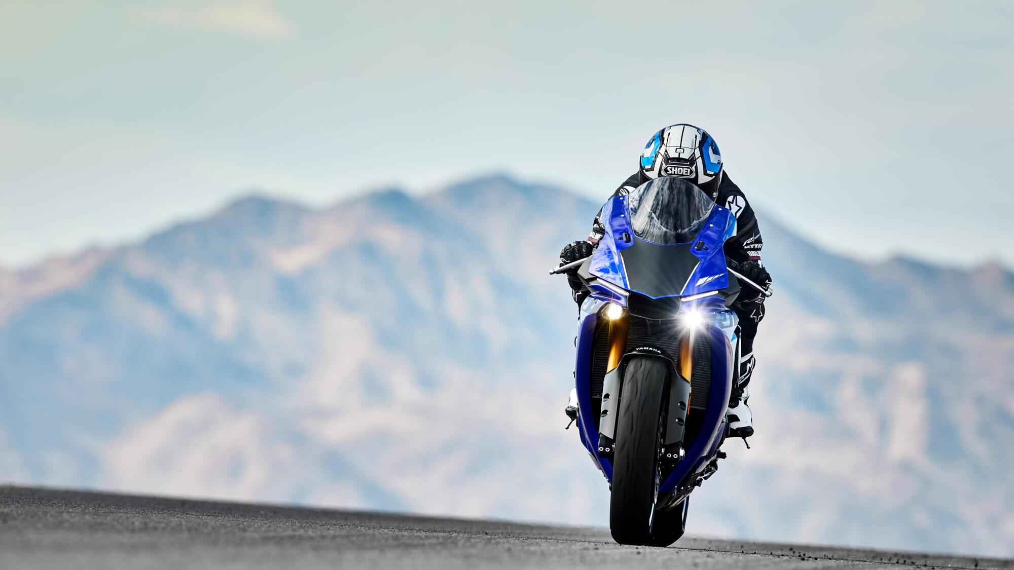 Yamaha R New