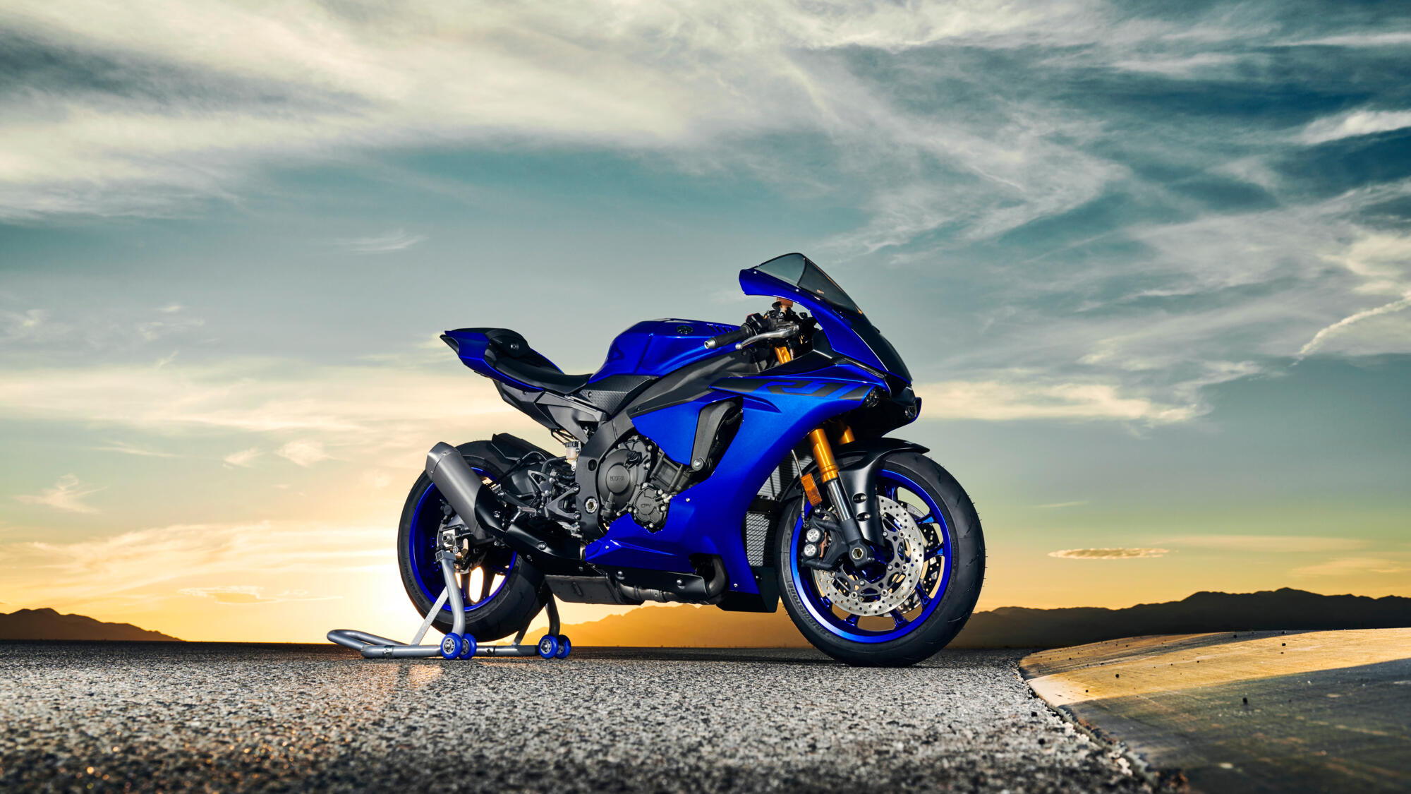 YZF-R1 - Motorcycles - YME Website