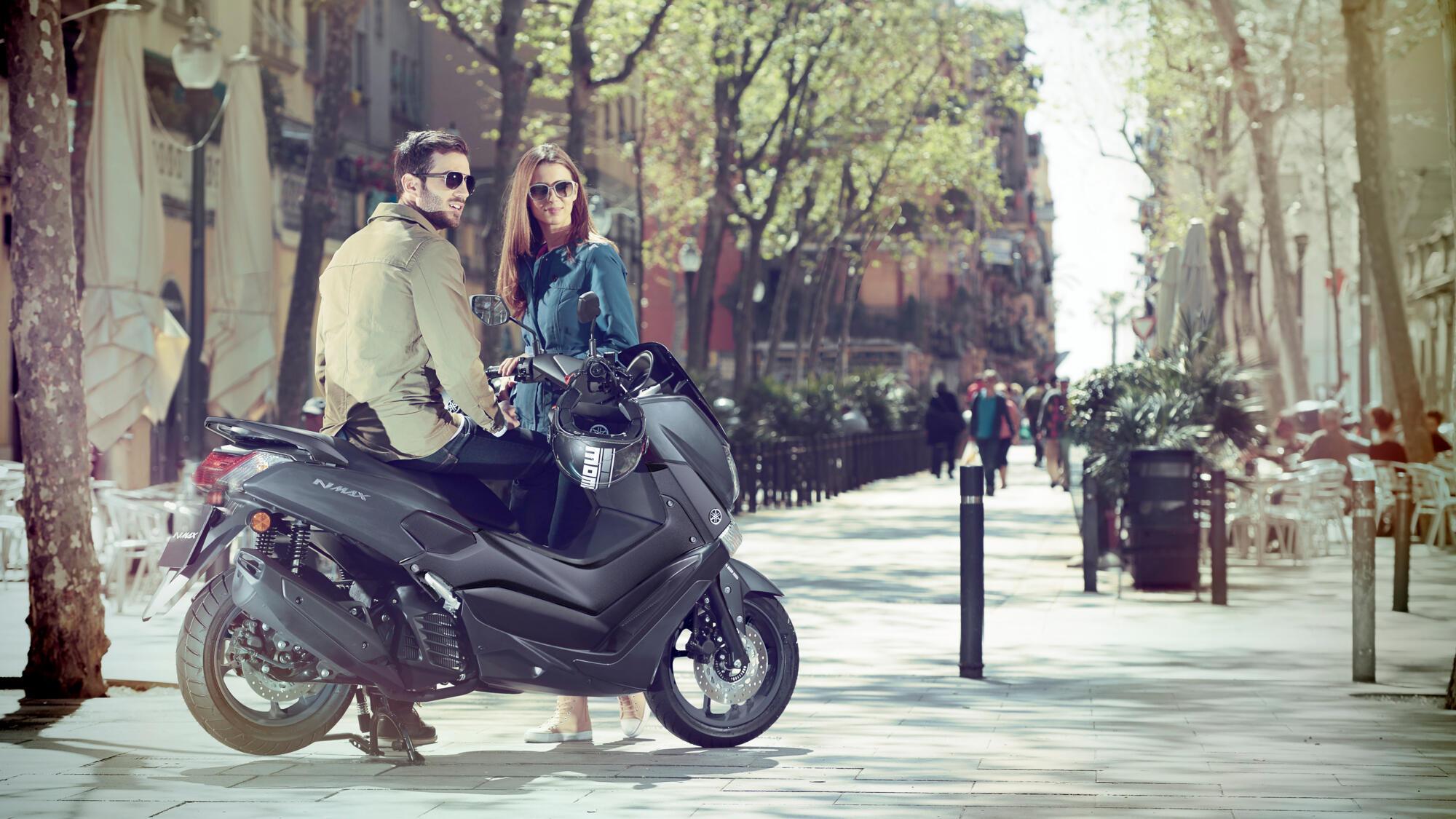 2c5b16e3b55 El nuevo scooter deportivo NMAX 125 va a convertir tus desplazamientos  urbanos diarios en una experiencia que dejarás de sufrir y empezarás a  disfrutar.