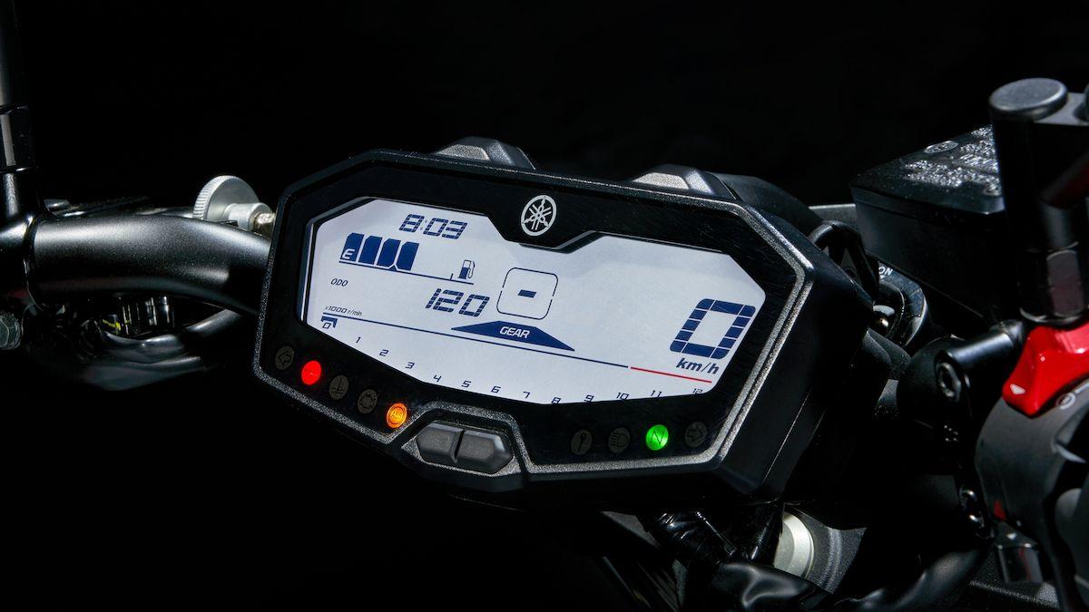 2019 Yamaha MT07 EU Ice Fluo Detail 008 03 Tablet MT 07