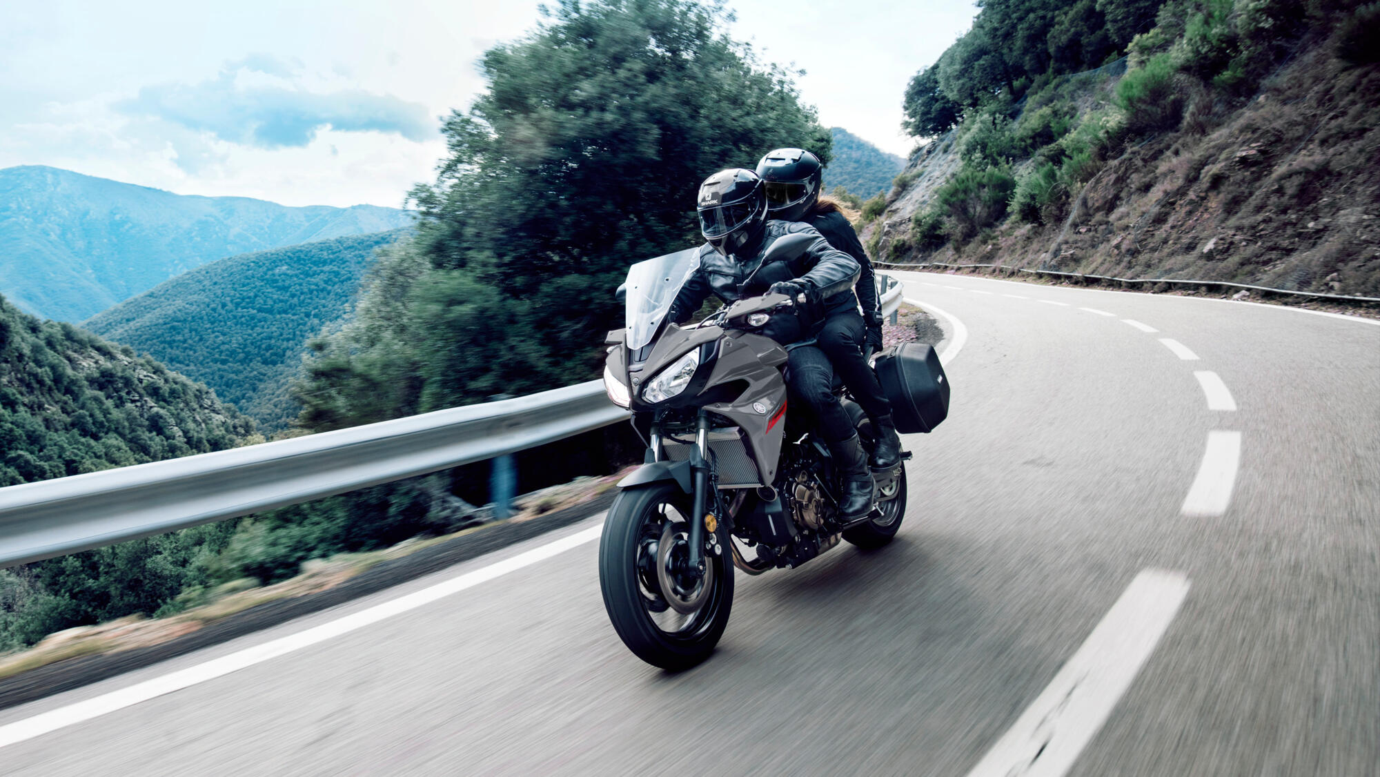 Tracer 700 - motorcycles - Yamaha Motor