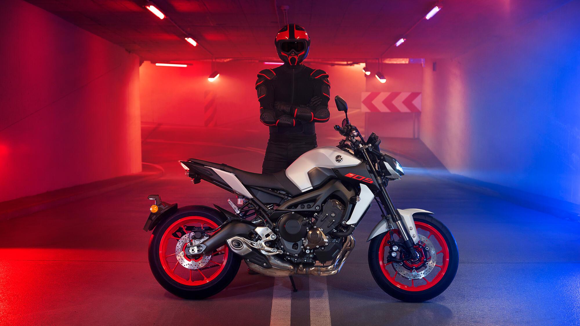 MT-09 - motorcycles - Yamaha Motor