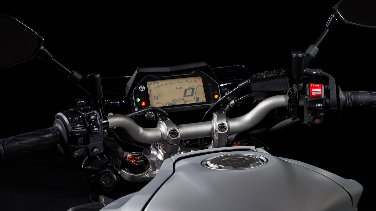 2019 Yamaha MT10 EU Ice Fluo Detail 002 03 Tablet MT 10