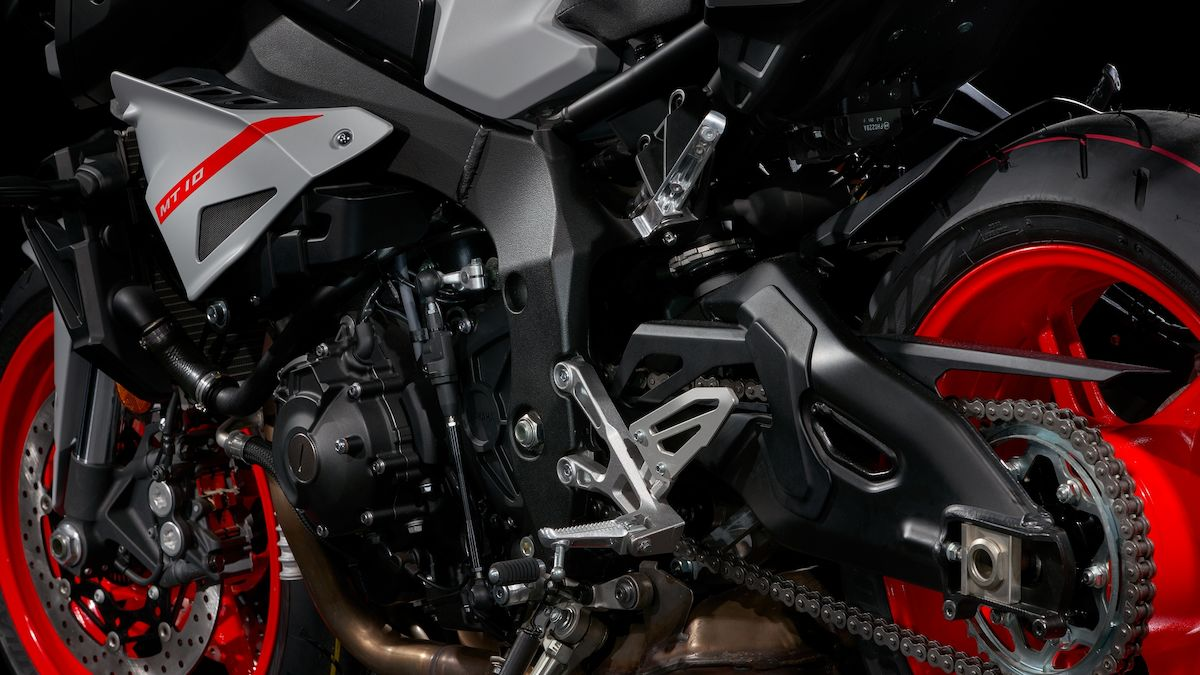 2019 Yamaha MT10 EU Ice Fluo Detail 006 03 Tablet MT 10