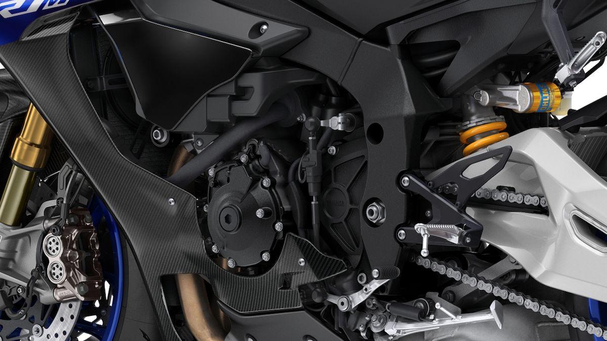 2019 Yamaha YZF1000R1SPL EU Silver Blu Carbon Detail 006 03 Tablet R1M 2018