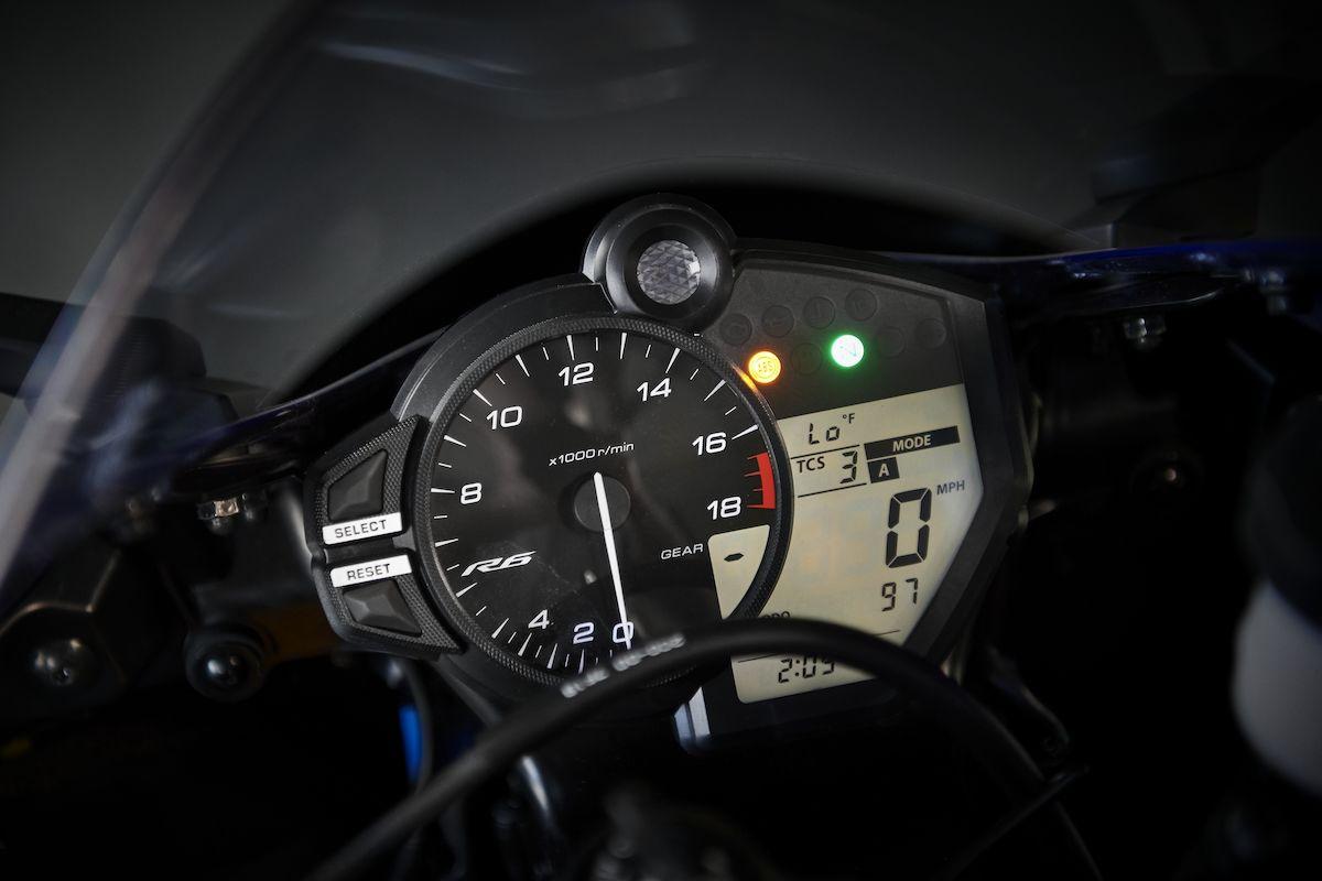 2019 Yamaha YZF600R6 EU Yamaha Blue Detail 003 Tablet YZF R6