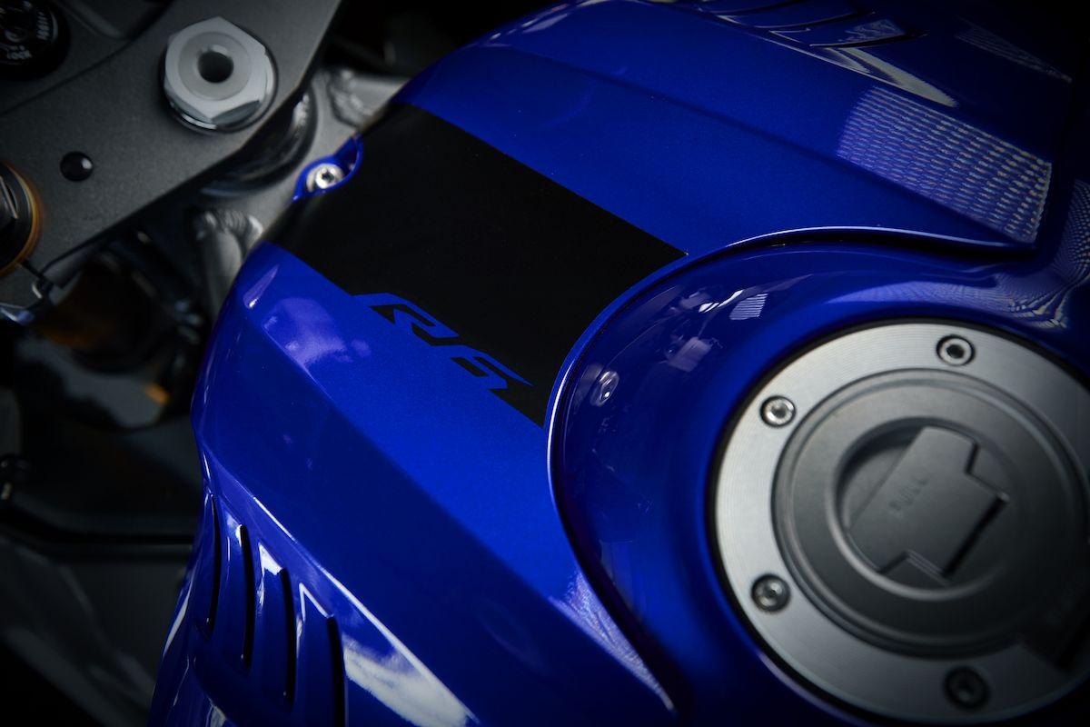 2019 Yamaha YZF600R6 EU Yamaha Blue Detail 008 Tablet YZF R6