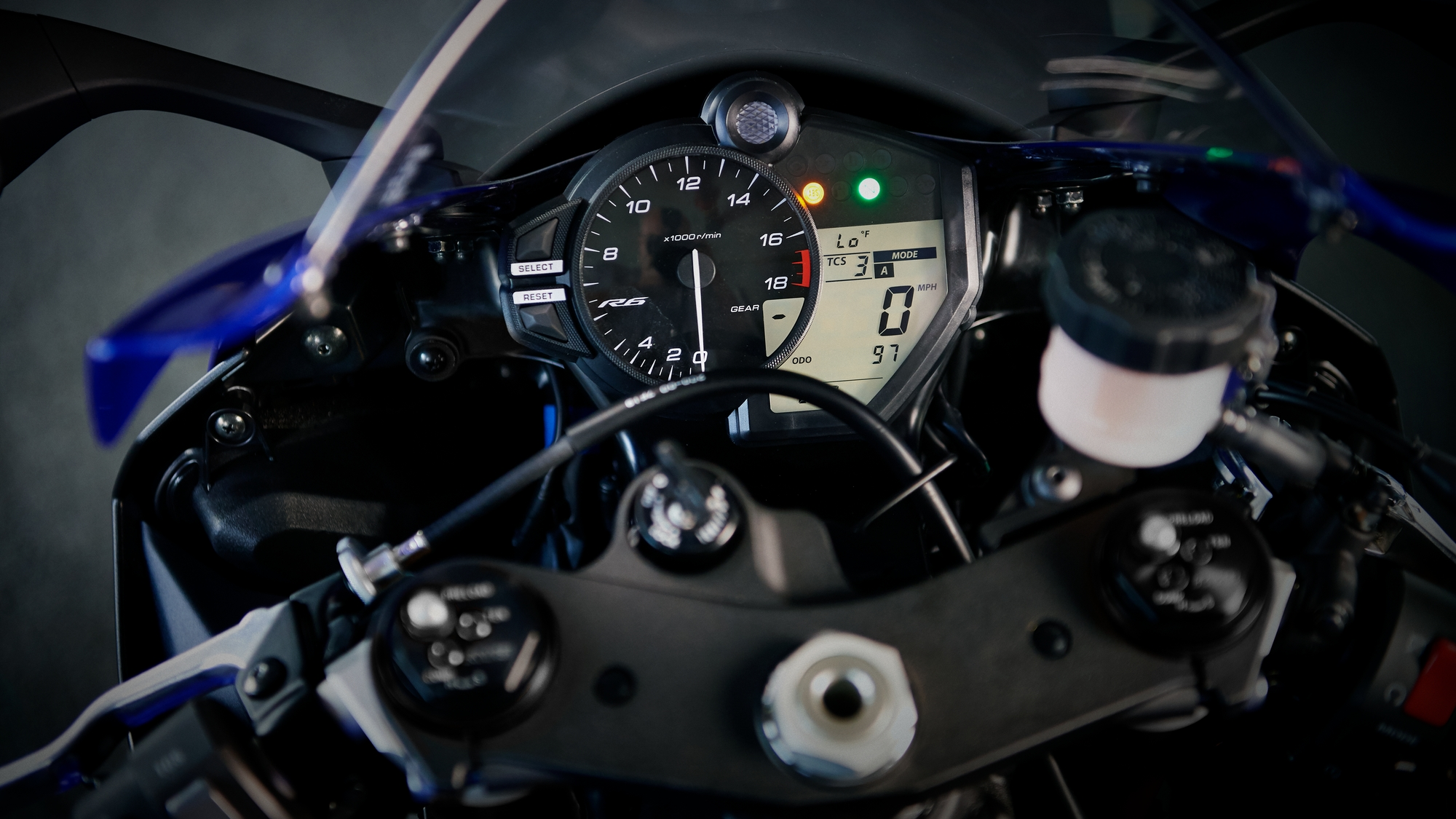 Yamaha YZF-R6 - Features and Technical Specifications
