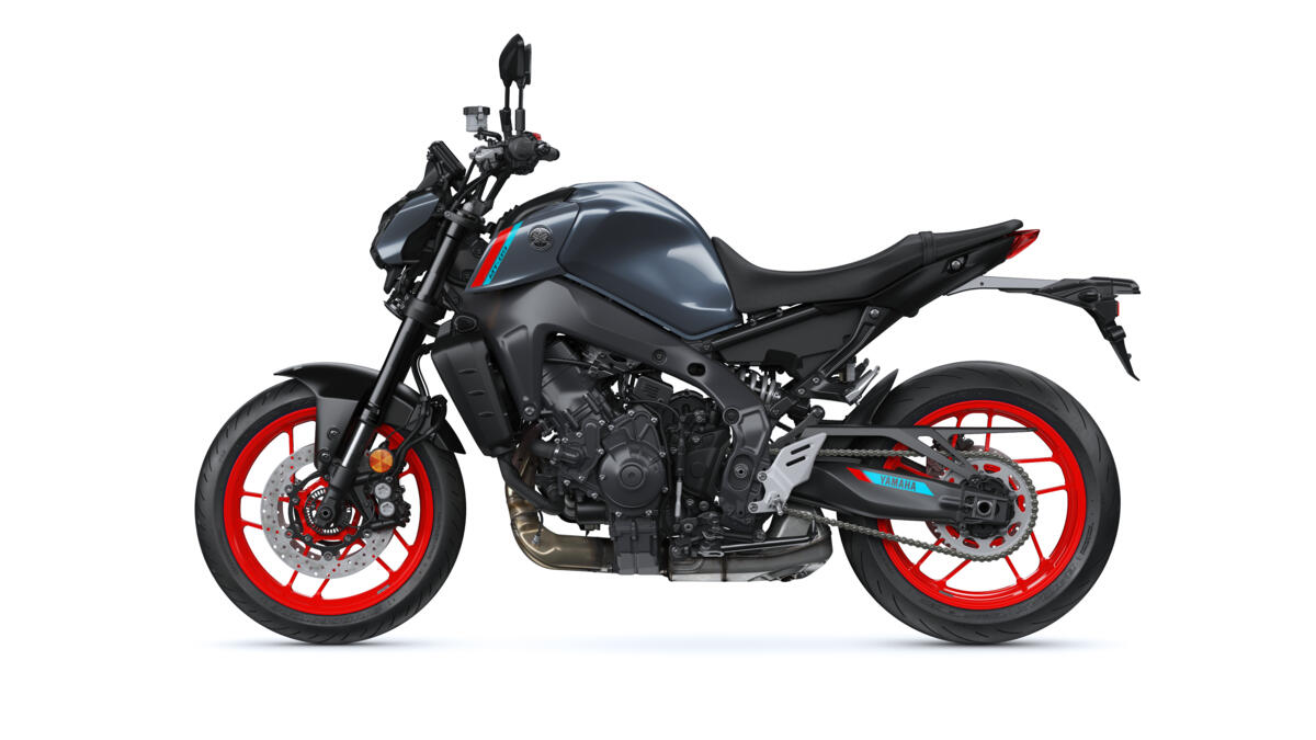 This image has an empty alt attribute; its file name is 2021-Yamaha-MT09-EU-Storm_Fluo-360-Degrees-023-03_Tablet.jpg