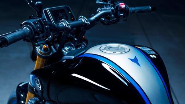 Nouvelle MT09 2021 - Page 9 2021-Yamaha-MT09DX-EU-Detail-001-03_Mobile